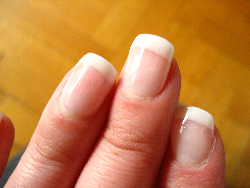 How to get stronger nails naturally - Bloomfit